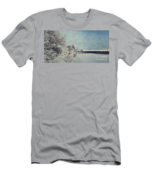 Klondikeriver Men's T-Shirt (Athletic Fit)
