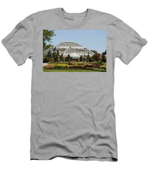 Lincoln Park Zoo In Chicago Men's T-Shirt (Athletic Fit)