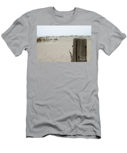 Old Fence Pole Men's T-Shirt (Athletic Fit)