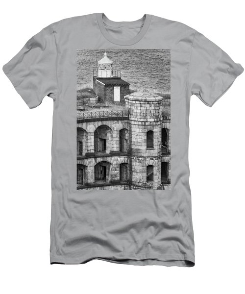 Men's T-Shirt (Slim Fit) featuring the photograph Battery Weed At Fort Wadsworth Nyc by Susan Candelario