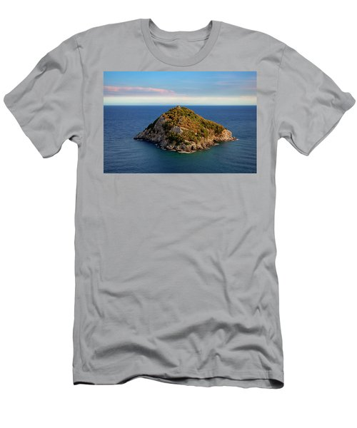 Bergeggi Island Men's T-Shirt (Athletic Fit)