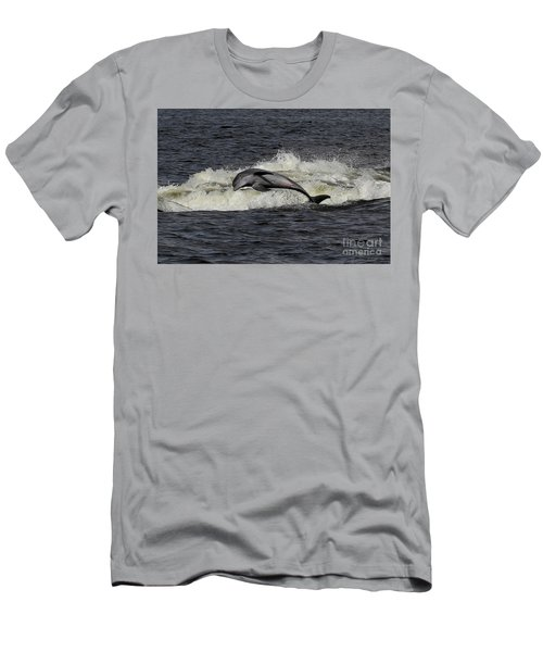 Bottlenose Dolphin Men's T-Shirt (Athletic Fit)