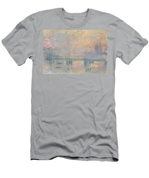 Charing Cross Bridge Men's T-Shirt (Athletic Fit)