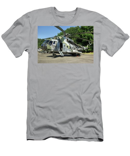Mil Mi-17 Hip Men's T-Shirt (Athletic Fit)