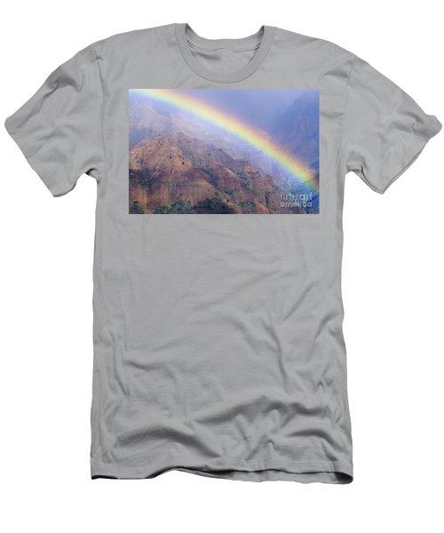 Waimea Canyon Rainbow Men's T-Shirt (Athletic Fit)