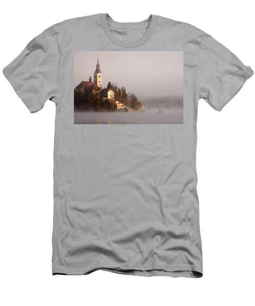 Misty Lake Bled Men's T-Shirt (Athletic Fit)