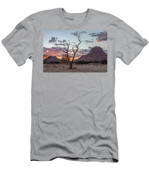 Spitzkoppe - Namibia Men's T-Shirt (Athletic Fit)