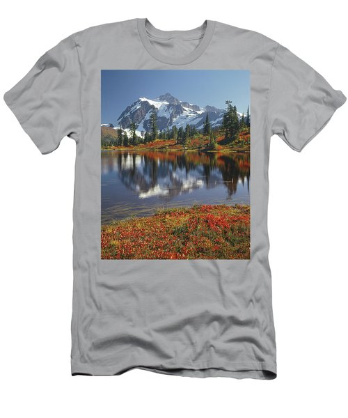 1m4208 Mt. Shuksan And Picture Lake Men's T-Shirt (Athletic Fit)