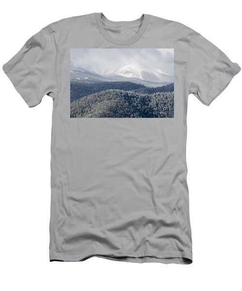 Pikes Peak In Snow Men's T-Shirt (Athletic Fit)