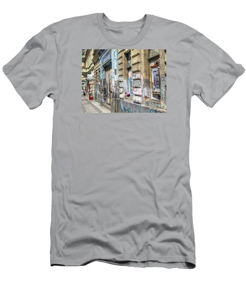 Praha Street Men's T-Shirt (Athletic Fit)