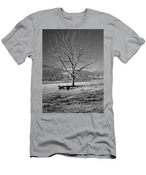 A Wintery Stand Men's T-Shirt (Athletic Fit)