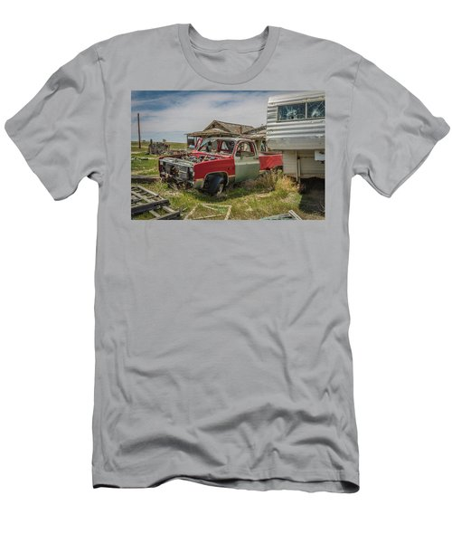 Abandoned Car And Trailer In The Ghost Town Of Cisco, Utah Men's T-Shirt (Athletic Fit)