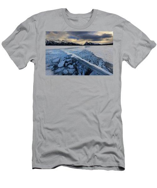Abraham Lake Ice Bubbles Men's T-Shirt (Athletic Fit)