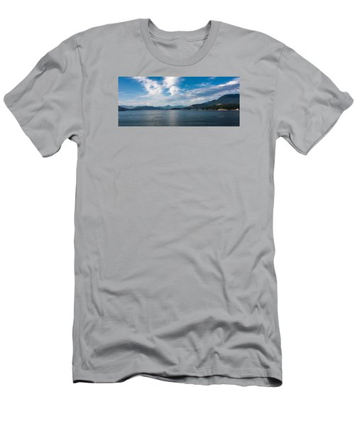 Alaska Beauty Men's T-Shirt (Athletic Fit)