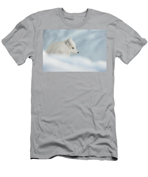 An Arctic Fox In Snow. Men's T-Shirt (Athletic Fit)