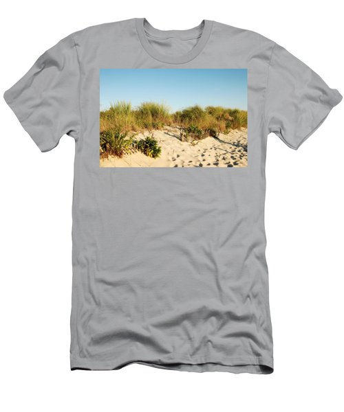 An Opening In The Fence - Jersey Shore Men's T-Shirt (Athletic Fit)