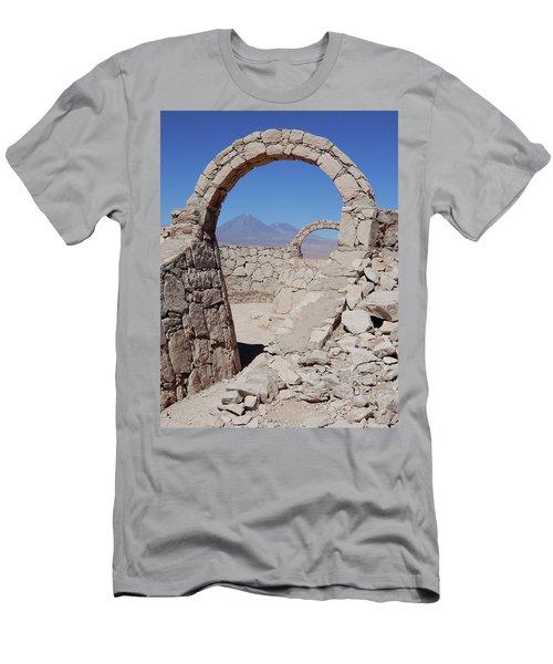 Pukara De Quitor Arches Men's T-Shirt (Athletic Fit)