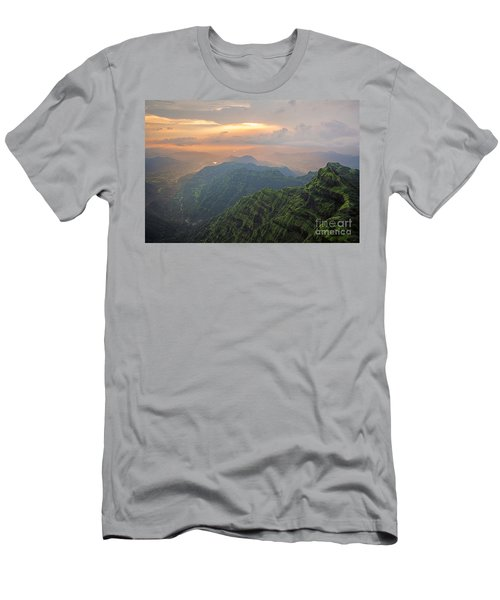 Arthurs Seat At Dusk Men's T-Shirt (Athletic Fit)