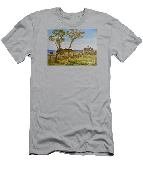 At Ruby's Bulli Men's T-Shirt (Slim Fit) by Pamela  Meredith
