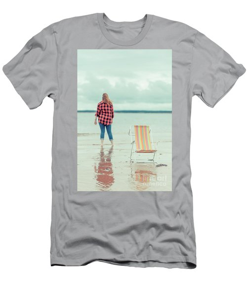 At The Beach New London Prince Edward Island Men's T-Shirt (Athletic Fit)