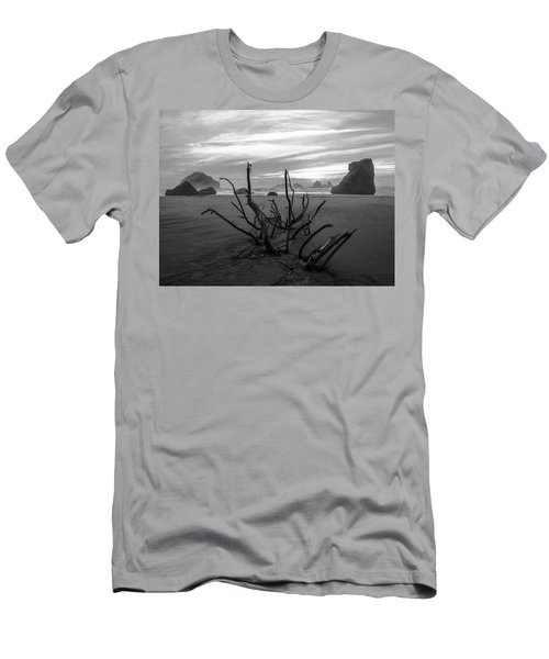 Bandon Beach Tree Men's T-Shirt (Athletic Fit)