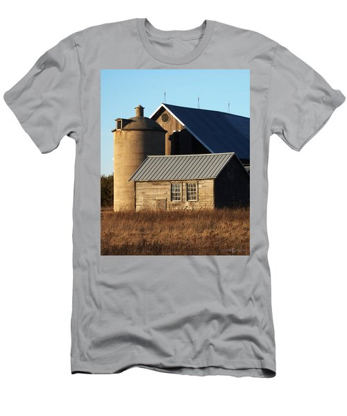 Barn At 57 And Q Men's T-Shirt (Athletic Fit)