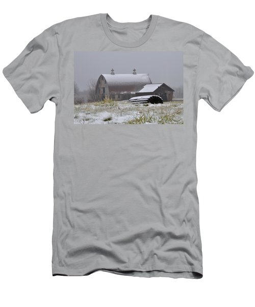 Barn In Winter Men's T-Shirt (Athletic Fit)