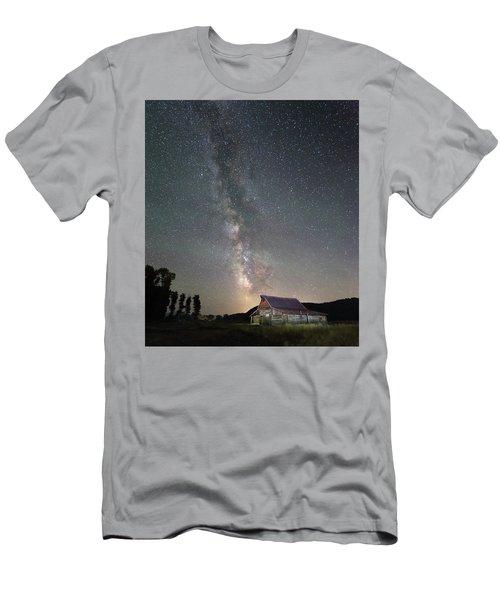 Barn On Mormon Row  Men's T-Shirt (Athletic Fit)