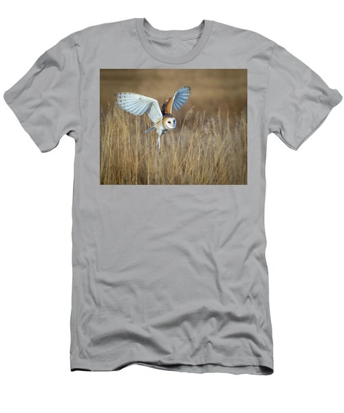 Barn Owl In Grass Men's T-Shirt (Athletic Fit)
