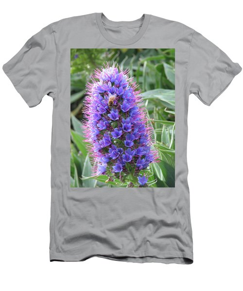 Bee On Blue Men's T-Shirt (Athletic Fit)