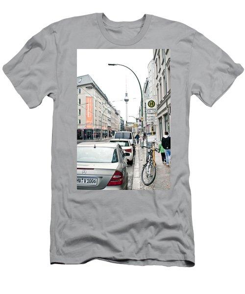 Berlin Tv Tower Men's T-Shirt (Athletic Fit)