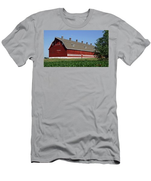 Big Red Barn In Spring Men's T-Shirt (Athletic Fit)