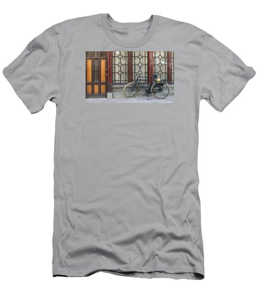Bike In Amsterdam Men's T-Shirt (Athletic Fit)