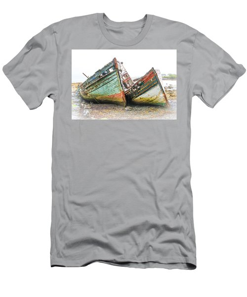 Boats Isle Of Mull 4 Men's T-Shirt (Athletic Fit)