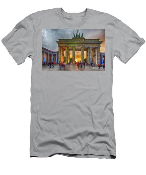 Brandenburg Gate Men's T-Shirt (Athletic Fit)