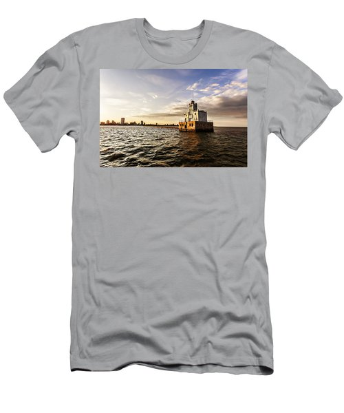 Breakwater Lighthouse Men's T-Shirt (Athletic Fit)