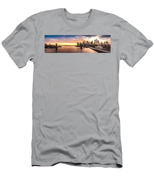 Brooklyn Bridge Panorama Men's T-Shirt (Athletic Fit)