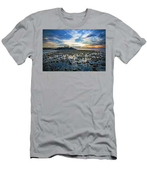 Cable Crossing Orient Point Sunset Men's T-Shirt (Athletic Fit)