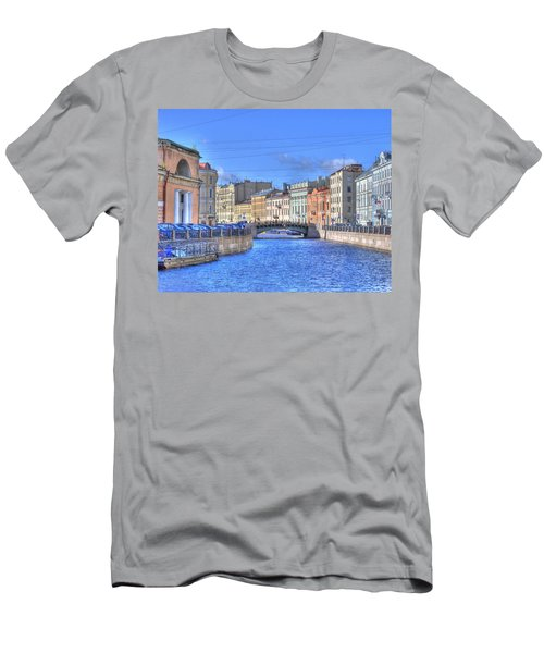 Canal In St. Petersburgh Russia Men's T-Shirt (Athletic Fit)