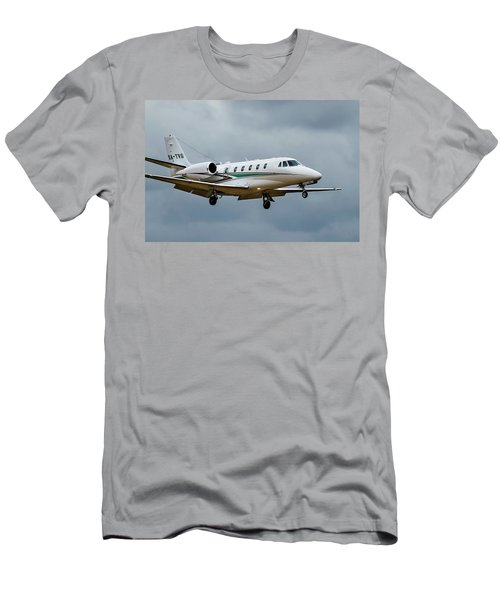 Cessna Citation X Landing Men's T-Shirt (Athletic Fit)