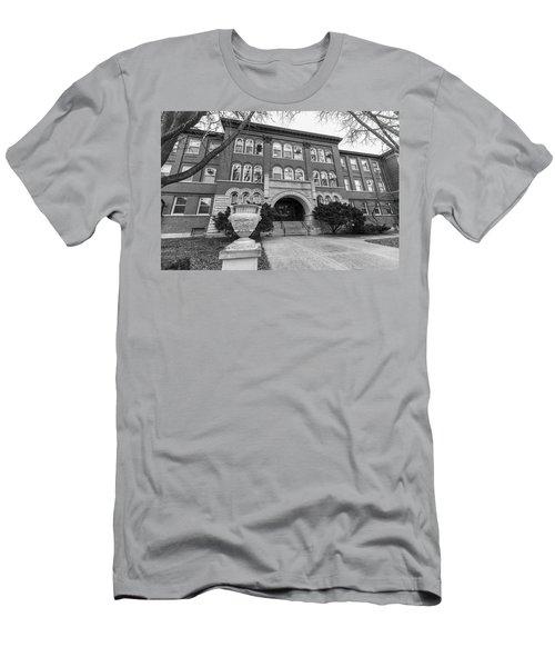 Chemistry Building University Of Illinois  Men's T-Shirt (Athletic Fit)