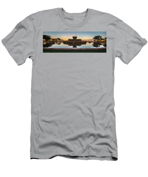 Chicago's Buckingham Fountain At Dawn  Men's T-Shirt (Athletic Fit)