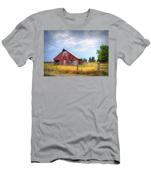 Christian School Road Barn Men's T-Shirt (Athletic Fit)