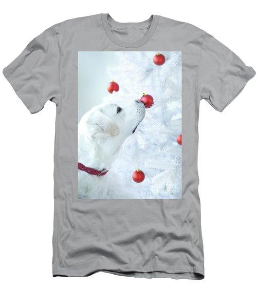 Christmas Lab Men's T-Shirt (Athletic Fit)