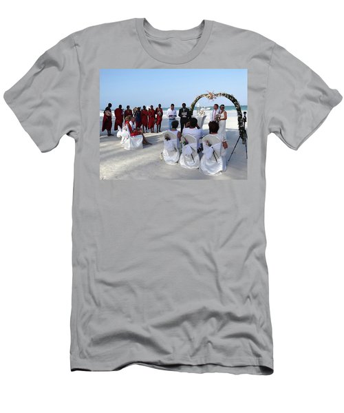 Close Up Kenya Baach Wedding Men's T-Shirt (Athletic Fit)