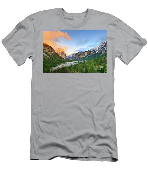 Colors Of Yosemite Men's T-Shirt (Athletic Fit)