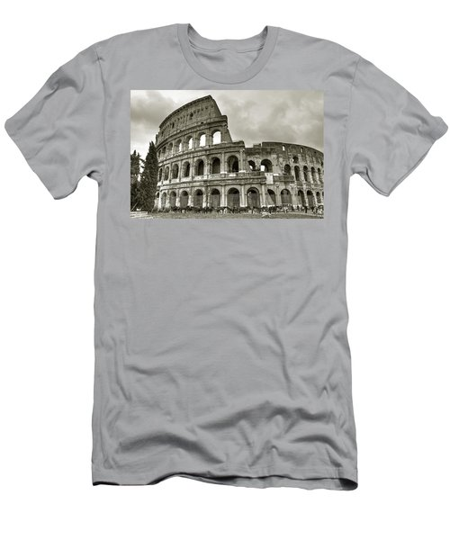 Colosseum  Rome Men's T-Shirt (Athletic Fit)