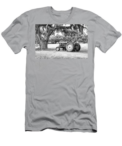 Coosaw - John Deere Parked Men's T-Shirt (Athletic Fit)