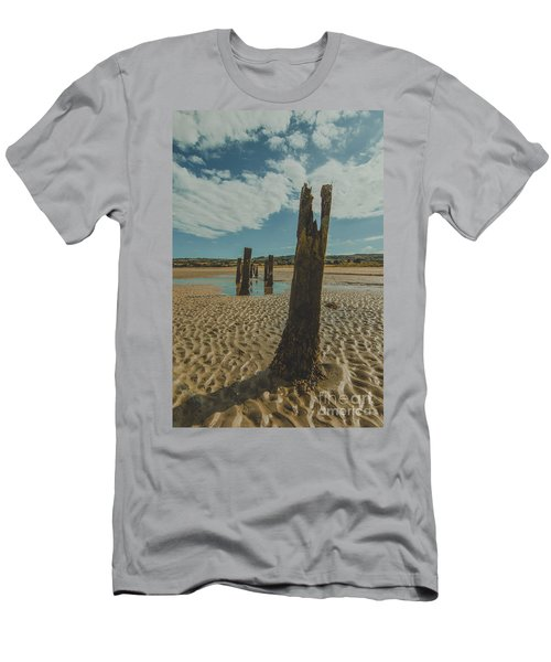 Cunnigar Groynes 3 Men's T-Shirt (Athletic Fit)