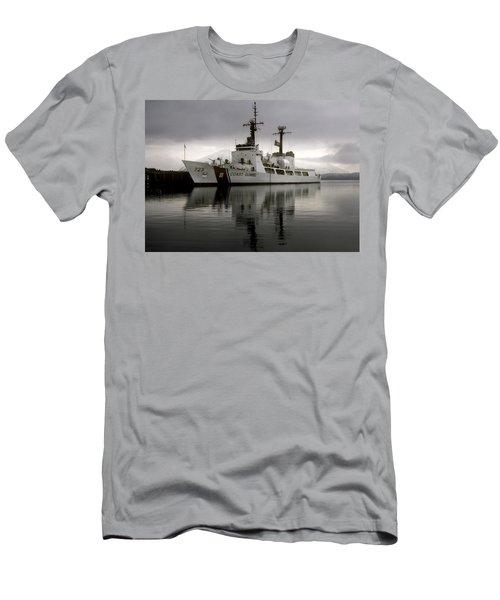 Cutter In Alaska Men's T-Shirt (Slim Fit) by Steven Sparks
